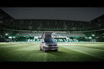 VW California: Campen im Fu�ball-Stadion