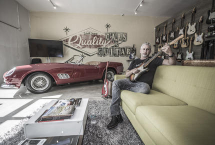 Panorama: Cars & Guitars in der Walt Grace Gallery - Da ist Musik drin
